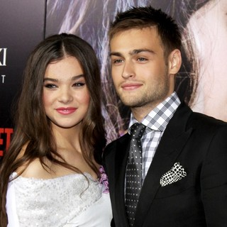 Hailee Steinfeld, Douglas Booth in Premiere of Relativity Media's Romeo and Juliet