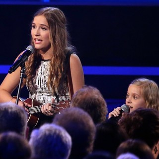 Lennon Stella, Maisy Stella in 47th Annual CMA Awards - Show