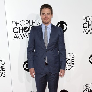 Stephen Amell in The 40th Annual People's Choice Awards - Arrivals