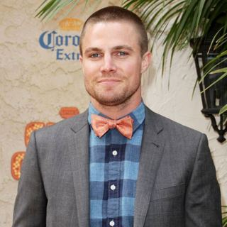 Stephen Amell in Spike TV's 5th Annual 2011 Guys Choice Awards - Arrivals