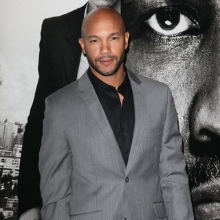 The Safe House Premiere - Arrivals - stephen-bishop-premiere-safe-house-01