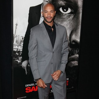 The Safe House Premiere - Arrivals - stephen-bishop-premiere-safe-house-03