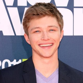Sterling Knight in 2011 MTV Movie Awards - Arrivals