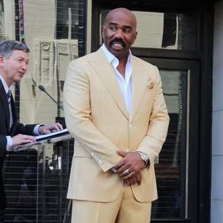 Steve Harvey - Steve Harvey Is Honoured with A Star on The Hollywood Walk of Fame
