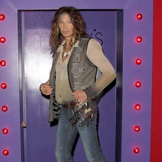 Steven Tyler in Andrew Charles' Fashion Show - Inside