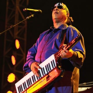 Stevie Wonder in Stevie Wonder Performing Live