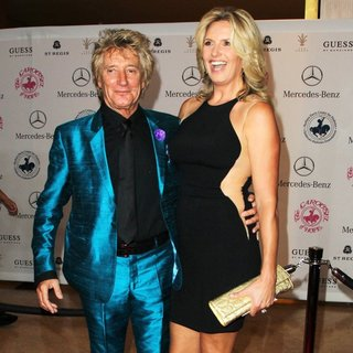 Rod Stewart, Penny Lancaster in 2014 Carousel of Hope Ball Presented by Mercedes-Benz - Arrivals