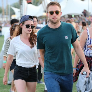 Kristen Stewart, Robert Pattinson in The 2013 Coachella Valley Music and Arts Festival - Week 1 Day 2