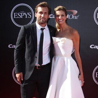 Erin Andrews in 2014 ESPYS Awards - Arrivals - stoll-andrews-2014-espys-awards-03