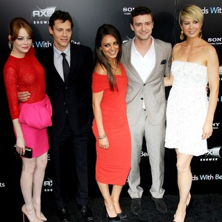Emma Stone, Will Gluck, Mila Kunis, Justin Timberlake, Jenna Elfman in New York Premiere of Friends with Benefits - Arrivals