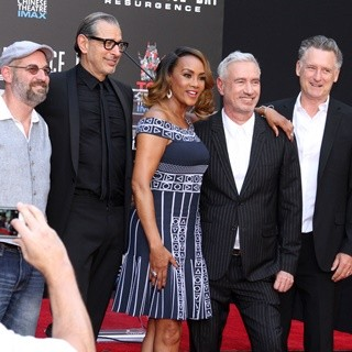 John Storey, Jeff Goldblum, Vivica A. Fox, Roland Emmerich, Bill Pullman, Brent Spiner in Independence Day: Resurgence Los Angeles Premiere