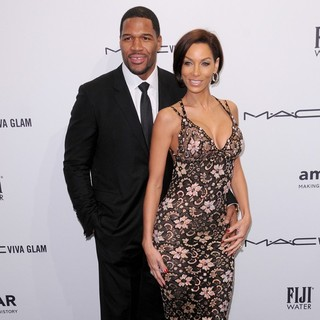 Michael Strahan, Nicole Murphy in The amfAR Gala 2013