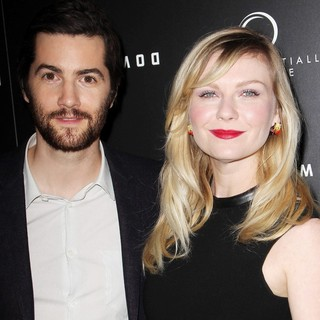 Jim Sturgess, Kirsten Dunst in Upside Down Los Angeles Premiere - Arrivals