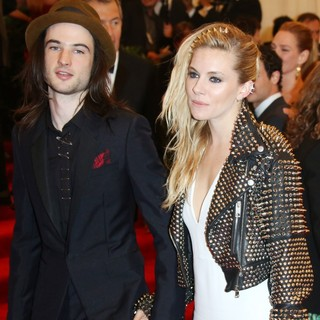 Sienna Miller in PUNK: Chaos to Couture Costume Institute Gala - sturridge-miller-chaos-to-couture-costume-institute-gala-01