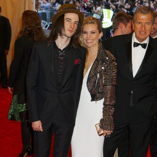 Tom Sturridge, Sienna Miller in PUNK: Chaos to Couture Costume Institute Gala