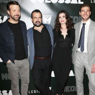 Jason Sudeikis, Nacho Vigalondo, Anne Hathaway, Austin Stowell in Premiere of Neon's Colossal