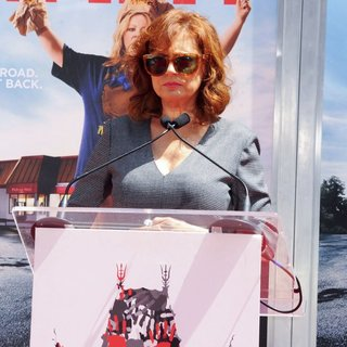 Melissa McCarthy's Hand and Footprint Ceremony