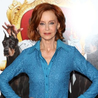 Swoosie Kurtz in Film Premiere The Boss