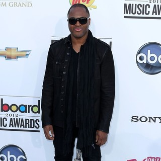 Taio Cruz in 2012 Billboard Music Awards - Arrivals - taio-cruz-2012-billboard-music-awards-03
