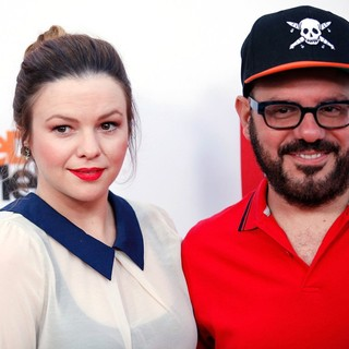 Amber Tamblyn in Netflix's Los Angeles Premiere of Season 4 of Arrested Development - tamblyn-cross-premiere-arrested-development-season-4-01
