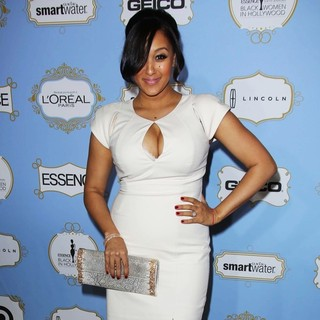 Tamera Mowry in 6th Annual Essence Black Women in Hollywood Luncheon - tamera-mowry-6th-annual-essence-black-women-in-hollywood-luncheon-02