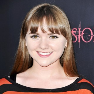 Tara Lynne Barr in The Premiere of The Possession - Arrivals