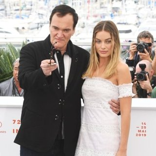 Quentin Tarantino, Margot Robbie in Once Upon a Time in Hollywood Photocall - The 72nd Cannes Film Festival