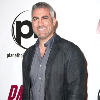 Taylor Hicks in Premiere of FilmDistrict's Parker