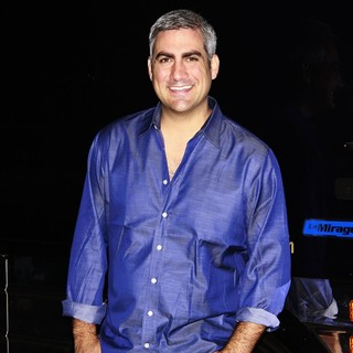 Taylor Hicks in Taylor Hicks in Concert at The Highline Ballroom - Tour Bus Shots