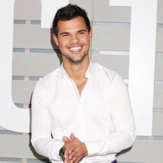 Taylor Lautner in 33rd Breeder's Cup World Championship