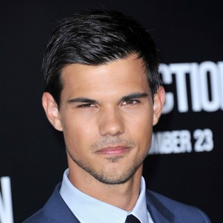 Taylor Lautner in The Premiere of Abduction - Arrivals