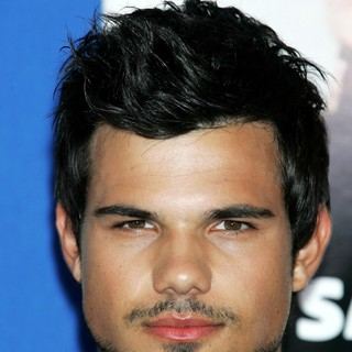 Taylor Lautner in New York Premiere of Grown Ups 2