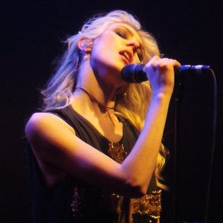 Taylor Momsen Performs with Her Band The Pretty Reckless - taylor-momsen-performs-14