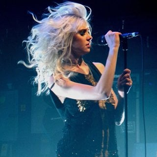 Taylor Momsen Performs with Her Band The Pretty Reckless - taylor-momsen-performs-15