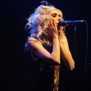 Taylor Momsen Performs with Her Band The Pretty Reckless - taylor-momsen-performs-17