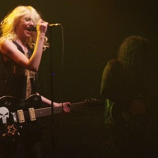 Taylor Momsen Performs with Her Band The Pretty Reckless - taylor-momsen-performs-26