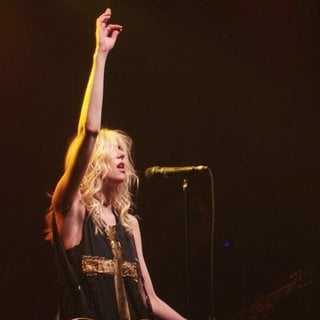 Taylor Momsen Performs with Her Band The Pretty Reckless - taylor-momsen-performs-28