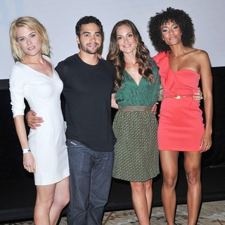 Rachael Taylor, Ramon Rodriguez, Minka Kelly, Annie Ilonzeh in Comic Con 2011 - Celebrities at The Convention Centre - The Charlie's Angels Press Conference