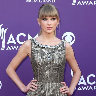 Taylor Swift in 48th Annual ACM Awards - Arrivals