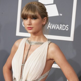 Taylor Swift in 55th Annual GRAMMY Awards - Arrivals