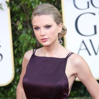 Taylor Swift in 70th Annual Golden Globe Awards - Arrivals