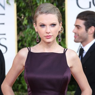 Taylor Swift in 70th Annual Golden Globe Awards - Arrivals - taylor-swift-70th-annual-golden-globe-awards-03