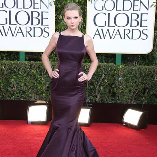 Taylor Swift in 70th Annual Golden Globe Awards - Arrivals - taylor-swift-70th-annual-golden-globe-awards-05
