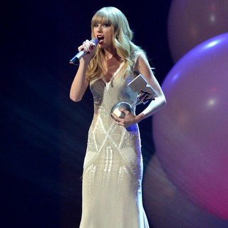Taylor Swift - The MTV EMA's 2012 - Show