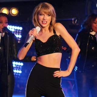 Taylor Swift - New Year's Eve 2015