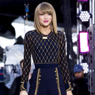 Taylor Swift - Taylor Swift Performing Live on Good Morning America