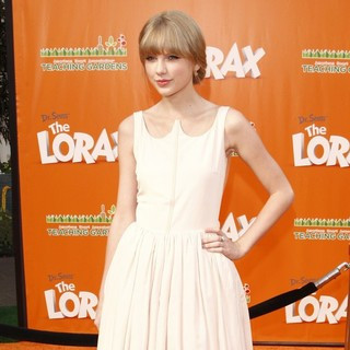 Taylor Swift in The Premiere of The Lorax - Arrivals