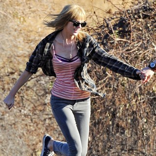 Taylor Swift in The Second Day of Filming Music Video I Knew You Were Trouble