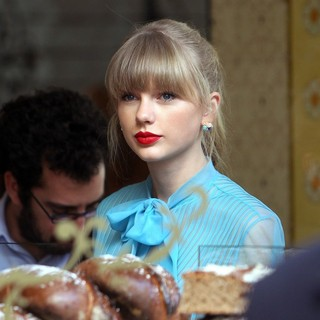 Taylor Swift in Taylor Swift on The Set of Her Music Video