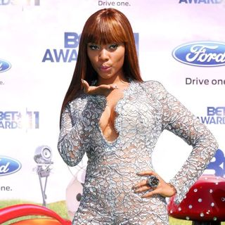 Teairra Mari in BET Awards 2011